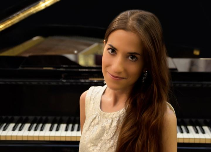 Anna Serret Almenara Piano