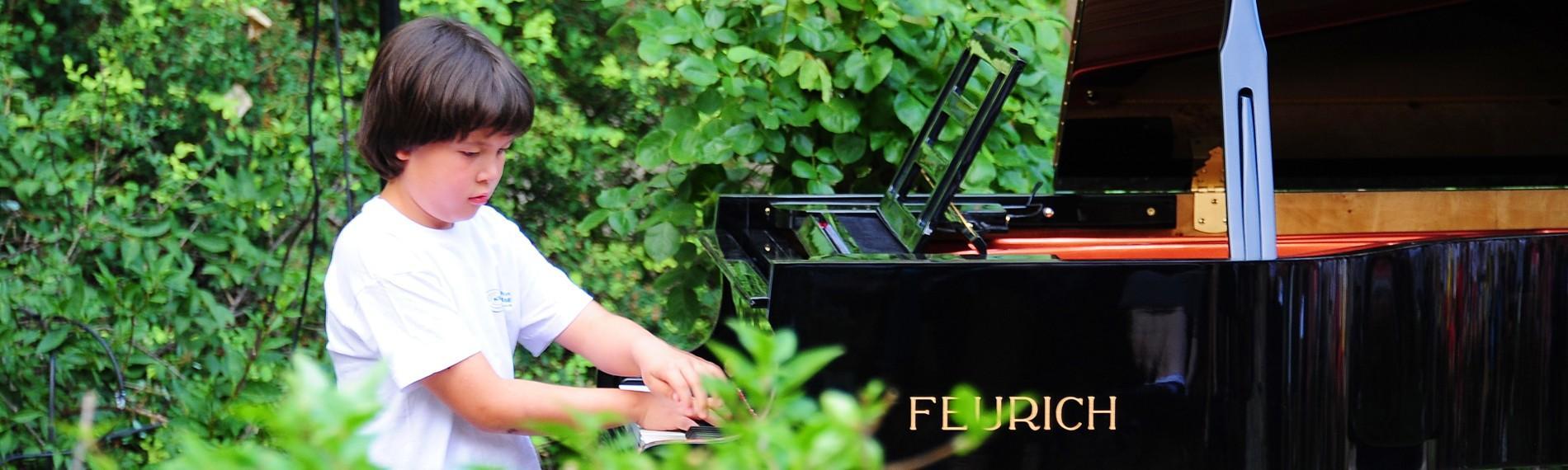 FEURICH Mod. 218 - Concert I, Ennio Kenyon Garden Concert