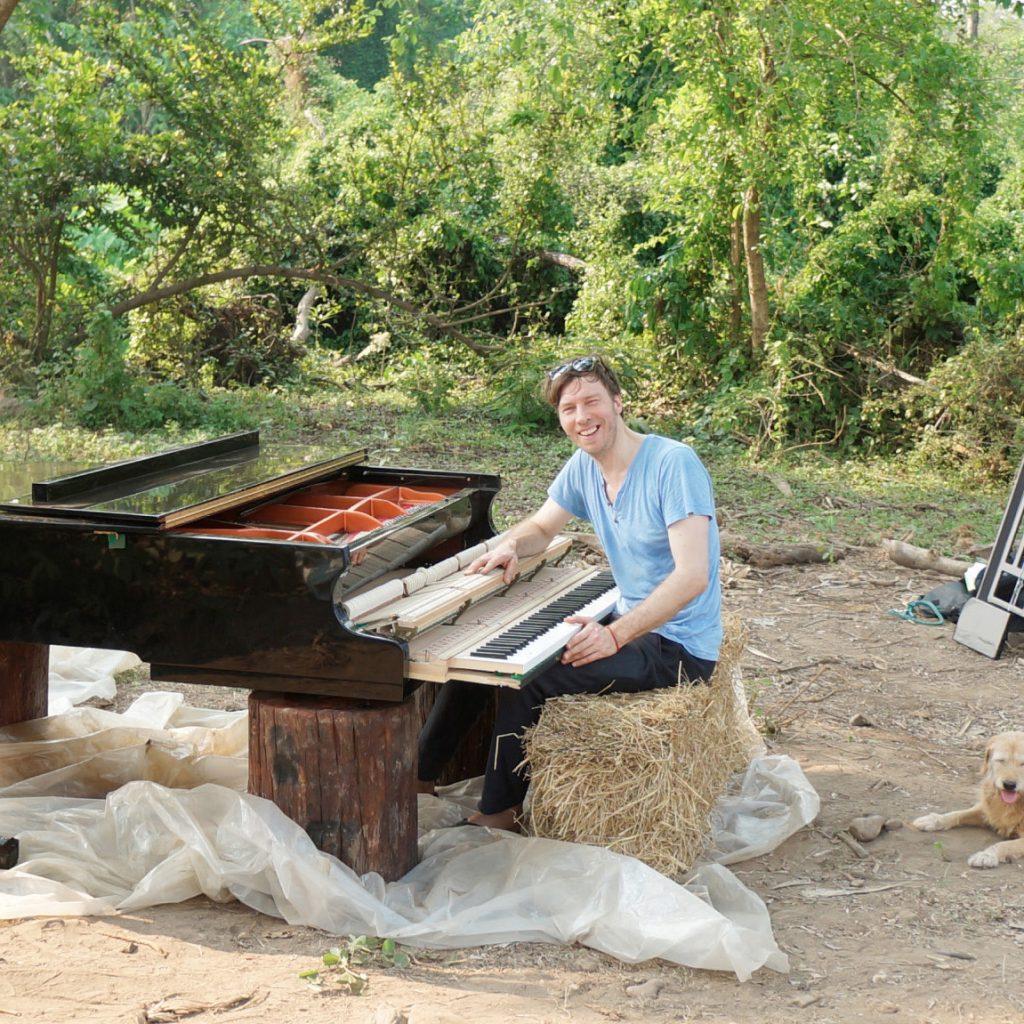 FEURICH, PAUL BARTONs Piano Technician
