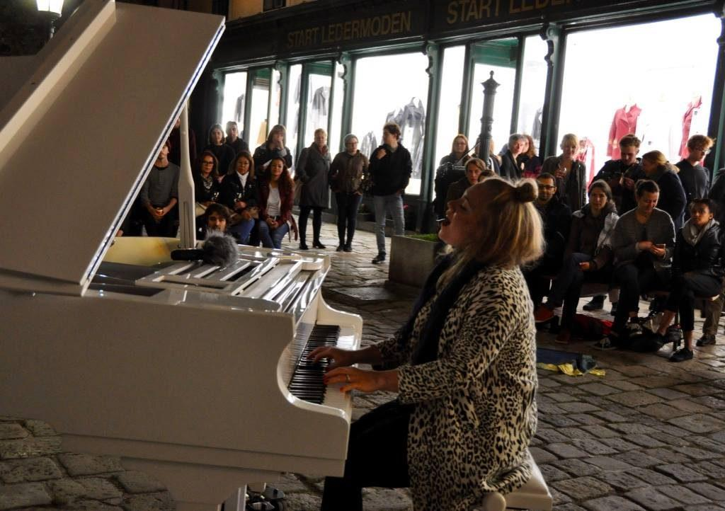 Open Piano for Refugees 09 2017 Lylit