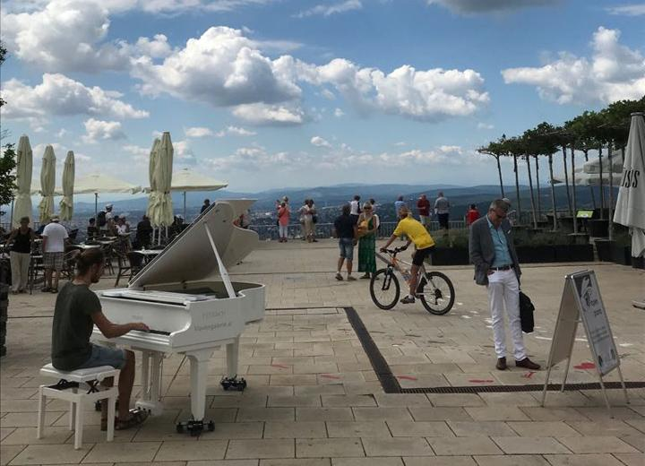 Open Piano for Refugees Kahlenberg