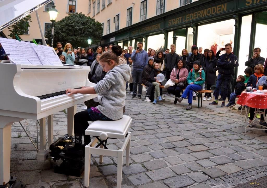 Open Piano for Refugees 2017 Soley Blümel